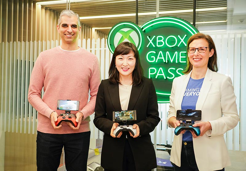 (From left) Kareem Choudhry, Corporate VP, Project xCloud, Microsoft, Jeon Jin-soo, VP and Head of 5GX Service Business Division, SK Telecom, and Catherine Gluckstein, GM and Head of product, Project xCloud, Microsoft